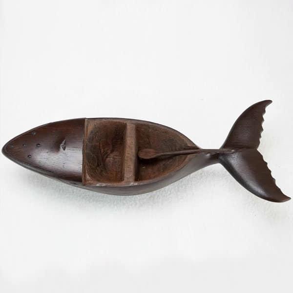 salière-poivrière-baleine-bois-hintsy-artisanat-de-madagascar-1