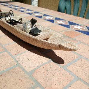 pirogue en raphia artisan malgache