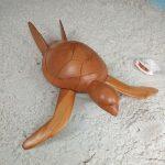 sculpture-madagascar-tortue-bois-clair-arbre-à-pain-artisanat-malgache-2