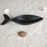 scuplture-baleine-en-bois-hintsy-récipient-biscuits-apéritifs-artisanat-malgache-3