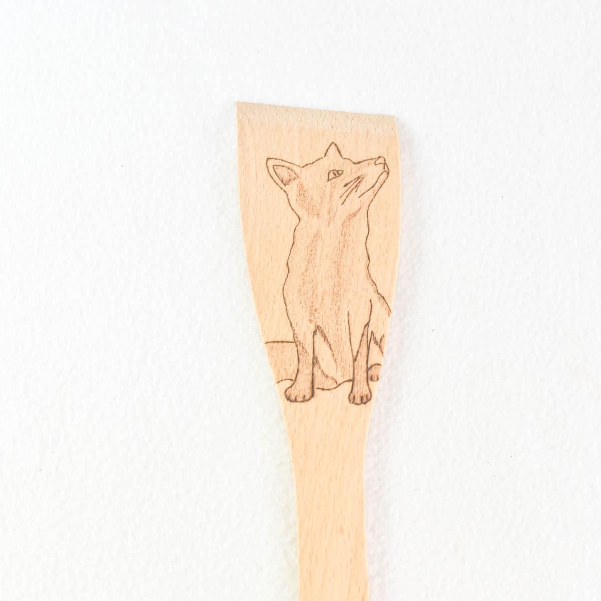renard-spatule-pyrogravure-ustensile-de-cuisine-cadeau-original-artisanat-français