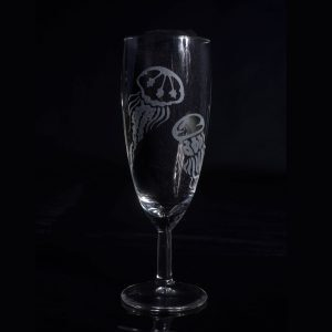 verre-a-champagne-gravure-personnalise-meduse-fait-main