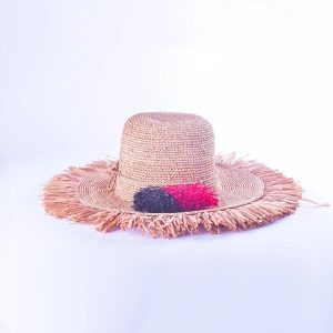 chapeau-froufrou-ete-femme-pompon-rouge-noir-chic-raphia-artisanat-madagascar
