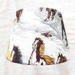 abat-jour cheval dans la neige