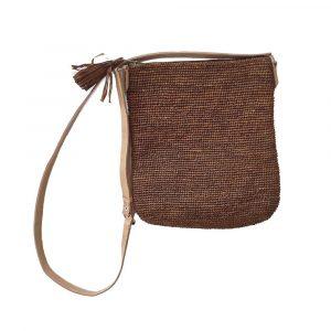 pochette-bandouliere-raphia-marron-artisanat-madagascar-min