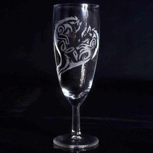 gravure-sur-verre-a-flute-loup-renard-style-tribal-artisanat-francais-2
