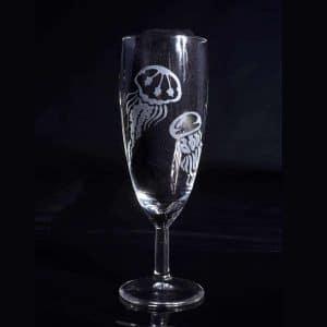 verre-a-champagne-gravure-personnalise-meduse-fait-main-2
