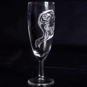 verre-a-flute-loup-renard-style-tribal-gravure-personnalisee-artisanat-francais
