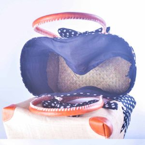 sac-cabas-raphia-elegant-foulard-bleu-marine-vue-interieure-artisanat-malgache